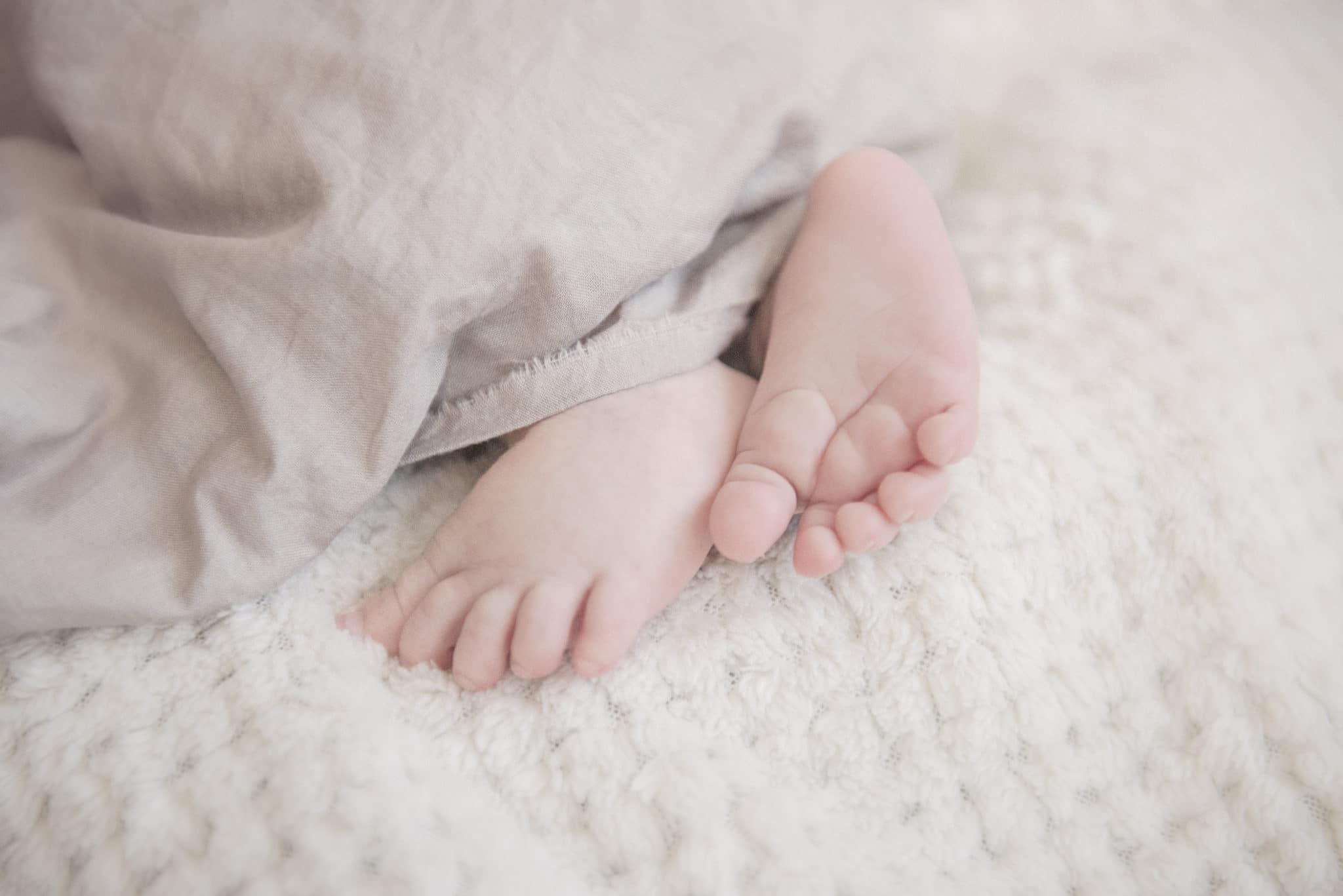 lausannephoto-nouveau-ne-shooting-maternite-professionnel-bebe