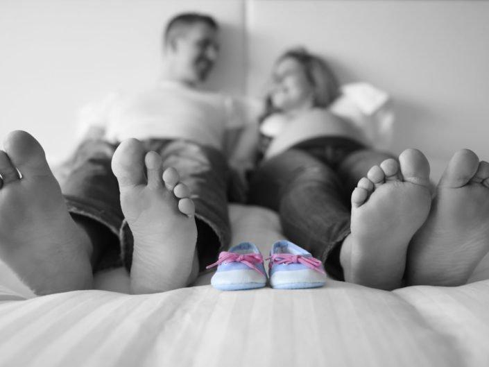 shooting-photo-famille-maternite-parents-exterieur-studio-lausannephoto-photographe