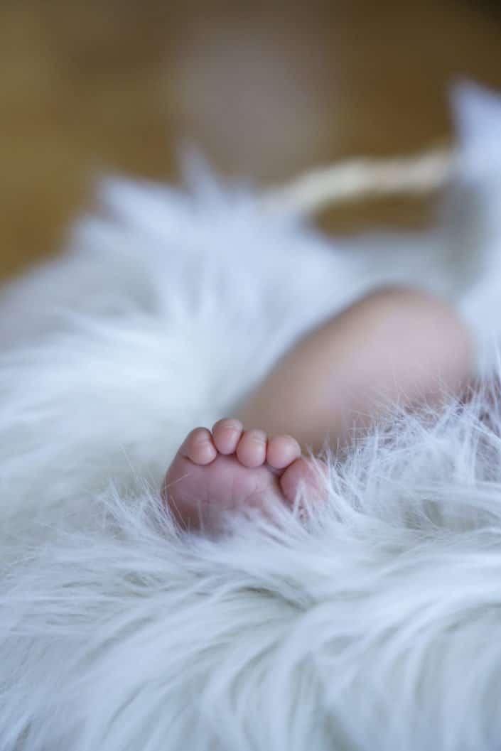 LausannePhoto-shooting-maternité-grossesse-parents-bebe-nouveau-ne-exterieur-domicile-maison-suisse-photo-Vaud-05